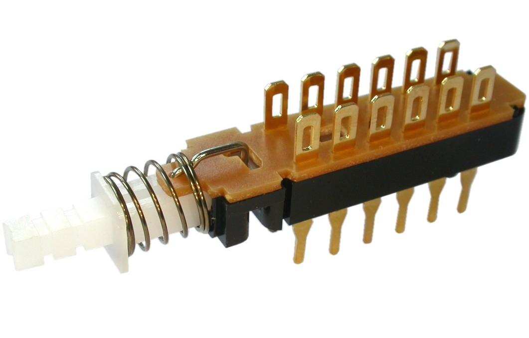 2-Druckschalter-4xUM-unterbrechend-rastend